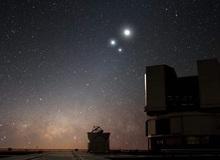 """Người Việt sắp được theo dõi sự kiện Sao Thổ """"xếp chồng"""" lên Sao Mộc trên bầu trời, siêu hiếm gặp 800 năm mới có 1 lần"""