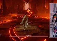 Phục sát đất nữ game thủ hạ gục boss trong tựa game khó nhất PS5 bằng chân
