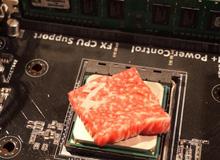Đem CPU máy tính để 'nướng thịt bò, luộc trứng'... YouTuber bỗng nổi như cồn tiền vào như nước