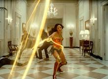 """Lộ ảnh 2 phản diện """"Wonder Woman 1984"""" đụng độ, Warner Bros mạo hiểm ứng phó mùa dịch bằng lựa chọn ai cũng bất ngờ?"""