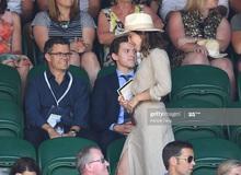 """Khoảnh khắc Tom Holland căng thẳng khi """"crush"""" Emma Waston đi qua: Quái thú còn không chịu nổi chứ nói gì """"Người Nhện""""!"""