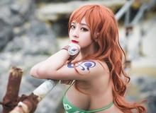 """One Piece: Bỏng mắt với bộ ảnh cosplay miêu tặc Nami """"mặt xinh, dáng chuẩn"""" khiến fans đứng ngồi không yên"""