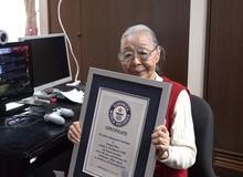 """Game thủ """"già"""" nhất thế giới: 90 tuổi, 40 năm kinh nghiệm, chơi toàn """"bom tấn"""" AAA và kỷ lục Guinness có 1-0-2"""