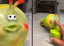 """Anh họa sĩ tự chế """"đồ chơi nhạy cảm"""" dựa trên nhân vật hoạt hình của Pixar, bán đấu giá với mức khởi điểm 2000 USD"""