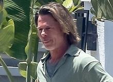 Brad Pitt xuống sắc khó nhận ra sau thời gian dài ở nhà tránh dịch, còn đâu tài tử quyến rũ nhất nhì Hollywood