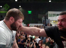 Cuộc thi cục súc nhất nước Nga: Không đánh đấm, chỉ được tát lật mặt nhau để ẵm giải vô địch