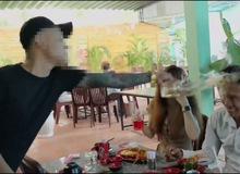 """Lộc Fuho bất ngờ bị đánh trong lúc quay Youtube, nguyên nhân là vì """"nhìn ngứa mắt"""""""