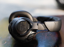JBL Quantum One - 'Tai nghe gaming đến từ tương lai' siêu chất