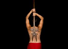Tìm hiểu về Maka Pahoa Ko'oko'o - vũ khí xiên mắt của thổ dân Hawaii