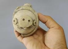 Món đồ chơi cổ đại 3000 năm tuổi giống hệt chú lợn trong Angry Birds