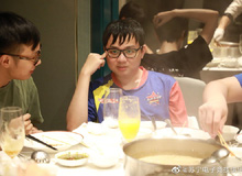 Đừng tưởng fan Việt 'tự sướng', fan Trung Quốc cũng đang nổ tung trời: 'Cỡ SofM thì muốn thắng lúc nào chẳng được'