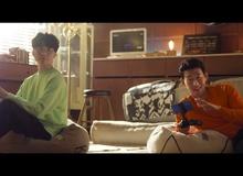 Faker sánh vai cùng siêu sao Son Heung-Min trong quảng cáo mới, biểu cảm của Chủ tịch lại khiến fan 'cạn lời'