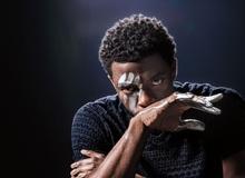 """Vừa vật lộn chữa trị ung thư vừa tập luyện và ghi hình Black Panther: Từ """"mạnh mẽ"""" thật chẳng đủ để nói về Chadwick Boseman"""