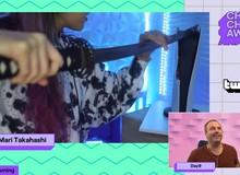 Nữ Streamer lừa hơn 30 nghìn game thủ bằng chiếc bánh kem hình PS5