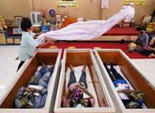 Dân Thái Lan rủ nhau giả vờ chết để giải hạn cầu may