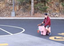 YouTuber tạo chú lợn Minecraft ở ngoài đời thật, có thể chạy 32 km/h