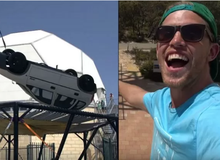 """Làm thử thách thả ô tô từ độ cao 45m xuống đệm lò xo """"cho vui"""", nam YouTuber nhận muôn vàn gạch đá"""