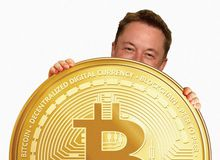 """Elon Musk hết phép, dù đã """"gáy hết sức"""" nhưng Bitcoin vẫn sụt không phanh"""