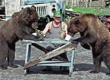 """Bộ ảnh chứng minh người Nga thường xuyên """"mải lên, quên xuống"""" khi tiệc tùng, đã quẩy là phải hết nút mới chịu cơ"""