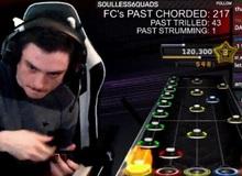 """Tập luyện không mệt mỏi từ tháng Tám năm ngoái, game thủ Guitar Hero hoàn thành bản nhạc """"bất khả thi"""""""