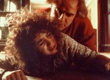 Nữ chính bị hiếp dâm trong cảnh nóng kinh điển, đau đớn tới mức tìm đến cái chết nhưng phẫn nộ nhất là phản ứng thách thức của kẻ gây tội