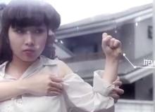 Màn giao chiến của 2 hot girl như trong game