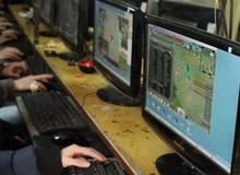 Bắt một đối tượng kinh doanh game lậu tại Việt Nam