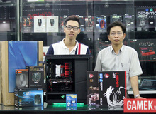 Chiều con trai, bố dẫn đi mua bộ máy chơi game hơn 30 triệu đồng