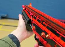 Choáng với game thủ làm súng đồ chơi đẹp như thật