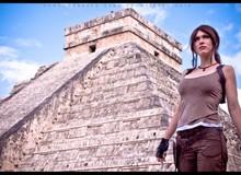 Bất ngờ với cosplay Lara Croft bên ngôi mộ cổ