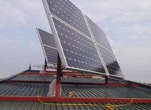 Chủ quán net Việt hồ hởi khi giảm tiền điện 3 triệu nhờ dùng pin mặt trời