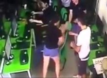 Xôn xao clip thanh niên đang chơi game bị vợ đánh