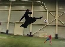 Khi các anh hùng game, phim, truyện tranh chơi bóng đá