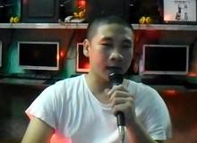 Sốt với bài hát kể khổ của chủ quán game người Việt