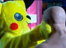 Gặp gỡ chú Pikachu vừa dễ thương vừa giỏi võ