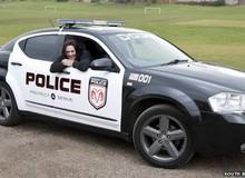 Hài hước bà mẹ chở con đi học trong xe Need for Speed