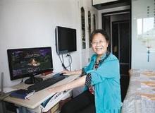Chân dung cô giáo 69 tuổi mê chơi game, thường xuyên cày từ 8h tối đến 11h sáng