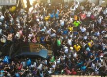 Choáng khi người dân Đài Loan đổ ra đường chơi game đông như trong phim thảm họa