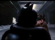 """""""Đấng"""" Batman của chúng ta từng... hôn bao nhiêu lần trên màn ảnh?"""