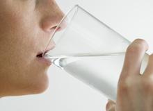 Muốn cày game thả cửa nhưng khỏe mạnh? Rất đơn giản, hãy uống đủ nước