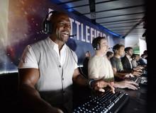 Cười rụng rốn với diễn viên nổi tiếng tự ráp PC chơi game