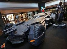 Choáng với mô hình đồ chơi Batman to như người thật