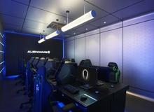 Bá đạo quán net sử dụng toàn máy tính Alienware hàng khủng