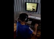Đau ruột với thanh niên lần đầu được cầm chuột chơi Counter Strike