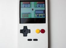 Game thủ này đã tự mình tạo ra chiếc ốp điện thoại biến smartphone thành máy Gameboy