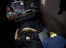 Những người khốn khổ trong quán cafe Internet: Mặt tối của xã hội Nhật Bản