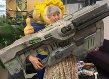 Không ngờ cây súng huyền thoại của làng game lại có kích thước khủng như thế này