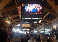 Ngỡ ngàng khi trailer game online bất ngờ xuất hiện giữa chợ Bến Thành