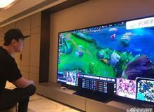 Tỷ phú Trung Quốc gây sốt khi ngồi xem LoL bằng màn hình 100 Inch, giá 1,7 tỷ VNĐ