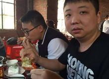 Ngồi trong quán xá tồi tàn thế này, Huyền Thoại AoE Trung Quốc ShenLong lại tìm ra mỹ thực tuyệt hảo, dưỡng sức đánh với VN